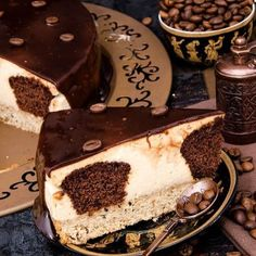 A giant coffee beans biscuit, fresh cream cheese, coffee muffins topped with coffee glaze. Coffee Cheesecake, Lime Cheesecake, Sweets Recipes, Cooking Recipes, Coffee Muffins, Romanian Desserts, Best Sweets, Fresh Cream, Carrot Cake
