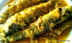 This recipe holds its special place in the heart of a Bengali and none can be found to even hesitate before having it Rice Side Dishes, Fish Dishes, Goby Fish, Fish Marinade, Felt Fish, Bengali Food, Mustard Oil, Red Chili Powder, Small Fish