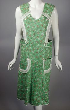 SOLD 1930s full apron pinafore green floral feedsack cotton size large from Viva Vintage Clothing