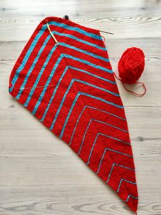 Shawl Patterns, Shawls, Repeat, Ravelry, Scarves, Projects To Try, Kids Rugs, Knitting, Red