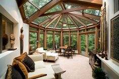 Soak in the sunlight all year round with the top 60 best sunroom ideas. Explore bright glassed-in solarium designs from modern to traditional for your home. Outdoor Spaces, Outdoor Living, Sunroom Decorating, Sunroom Ideas, Sunroom Kits, Small Sunroom, Patio Ideas, Patio Interior, Interior Design