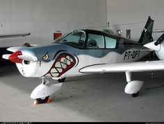 Piper Cherokee is a family of light Aircraft designed for Flight Training Piper Aircraft, Ww2 Aircraft, Military Aircraft, Airplane Painting, Airplane Art, Plane Photos, Aircraft Photos, Nissan, Aircraft Painting