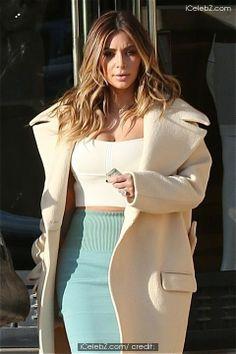 Kim Kardashian shops at Barneys New York http://www.icelebz.com/events/kim_kardashian_shops_at_barneys_new_york/