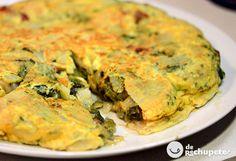 Imaginad lo mejor de Galicia en una tortilla española de patatas y huevo. Grelos de la mejor calidad y el toque del chorizo ahumado gallego. El resultado inmejorable, paso a paso, fotos y vídeo