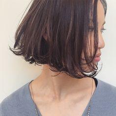 * 切りっぱなしボブ✨ * あごラインでカットする事で小顔効果も。ワンカール巻くだけの簡単スタイルです❤︎ スタイリングが苦手な方も オシャレになるコツやポイント お教えします❤︎ . . #あさボブ#切りっぱなし#束感#ウェット感 . #shima#hair#ginza#hairarrange#mirandakerr#mery #ヘアー#ヘアスタイル#ボブ#ロングヘアー#コーデ#コーディネイト#ヘアカラー#ヘアアレンジ#アイロン#アッシュ#アッシュカラー#ハイライトカラー#外国人風ハイライトカラー#外国人風ヘアー#ラベンダーアッシュ #ミランダカー#メリー#銀座#切りっぱなしボブ