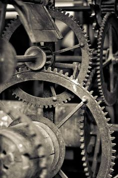 STEAMPUNK inspiration for home office. i love when people decorate with gears and the industrial look. Steampunk, Affinity Photo, Industrial Photography, Ex Machina, Cogs, Mechanical Engineering, Black And White Photography, Elmo, Heavy Metal
