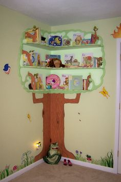Love the corner bookshelf tree.  Too cute!
