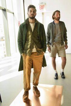 Un nuevo estilo americano relajado se deja ver en la colección Spring-Summer…