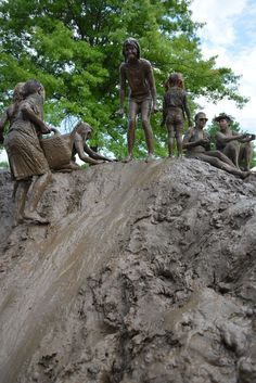 Bethany Holbrook from our New York office tells us why we should get out and get muddy! Stuff To Do, Things To Do, Edible Plants, Just Kidding, Mud, Acre, Garden Design, Lion Sculpture, Challenges