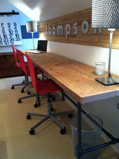 Solid Barn Wood Desk made with reclaimed wood and iron pipe legs. Choose size, height, thickness and finish. Custom inquiries welcome - DIY Desk Ideen Desk Dimensions, Casa Kids, Work Station Desk, Work Stations, Kids Homework Station, Reclaimed Wood Desk, Pipe Furniture, Furniture Removal, Industrial Furniture