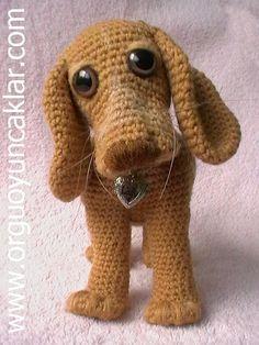 Amigurumi Hound Doggie Pattern.