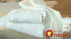 How to Whiten Your Kitchen Towels: This Trick is Worth Knowing! - World Health Info Cleaning Solutions, Cleaning Hacks, Reuse Recycle, Recycling, Clever Diy, Kitchen Towels, Diy And Crafts, Blanket, Ale