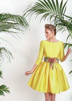 Vestidos de fiesta, vestidos para boda, Vestido mikado Primrose yellow, falda pliegues