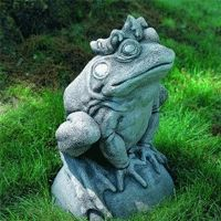 Concrete Garden Frog Statue A great way to make the yard more appealing