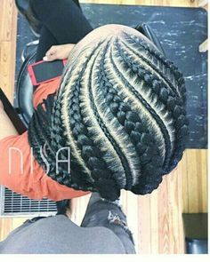 Goddess braids http://noahxnw.tumblr.com/post/157429908986/short-hair-with-bangs-short-hairstyles-2017 Cabelo Natural 4c, Goddess Braids, Braids For Kids, Girls Braids, Small Feed In Braids, Pretty Hairstyles, Black Braided Hairstyles, Black Ladies Hairstyles, African Hairstyles