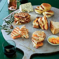 Grilled Cheese Bar and Wine Pairings. What an interesting way to change up a cheeseboard and have some delectable sandwiches and wine or beer. Quick and easy for game day! Wine And Cheese Party, Wine Tasting Party, Wine Cheese, Wine Parties, Apple Recipes, Wine Recipes, Bacon Recipes, Cheese Recipes, Grilled Cheese Bar