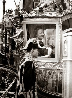 THE COACH H.M. Queen Juliana of The Netherlands (1909-2004)