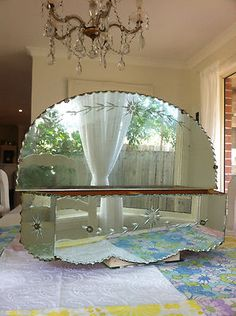 Shabby old VINTAGE mirrored etched pie crust edge planter box antique bathroom Etched Mirror, Mirror Box, Antique Mirrors, Glass Etching, Planter Boxes, Wall Spaces, Master Bathroom, Baths, Wall Mount