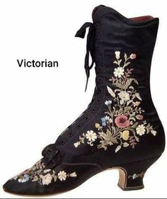 Edwardian Shoes, Victorian Shoes, Victorian Women, Edwardian Fashion, Vintage Fashion, Victorian Era, Vintage Boots, Vintage Outfits, Old Shoes