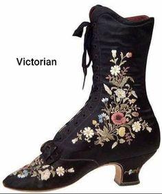 Edwardian Shoes, Victorian Shoes, Edwardian Fashion, Vintage Fashion, Victorian Era, Antique Clothing, Historical Clothing, Vintage Dresses, Vintage Outfits