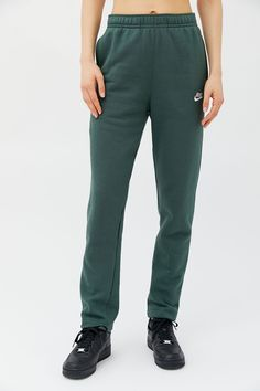 Nike NSW Club Sweatpant | Urban Outfitters