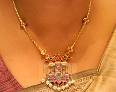 Necklaces Simple Necklaces / Harams - Gold Jewellery Necklaces / Harams at USD And GBP Small Necklace, Long Pearl Necklaces, Gold Necklace, Indian Necklace, Silver Earrings, Silver Jewelry, Pendant Necklace, Indiana, Gold Jewelry Simple