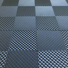 Heliot & Co - Scale tile