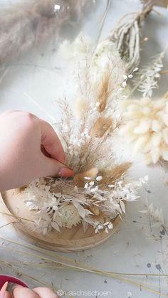 Bedroom Crafts, Diy Crafts For Home Decor, Diy Wall Art, Diy Wall Decor, Diy Wedding Decorations, Flower Decorations, Flower Box Gift, Dried Flower Arrangements, Deco Floral