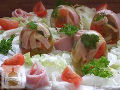 Jajka wielkanocne Caprese Salad, Fresh Rolls, Sushi, Dinner, Cooking, Healthy, Ethnic Recipes, Food, Easter