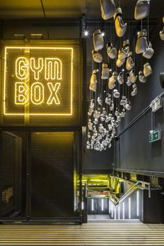 Project: A.P Director Patrick McKinney discusses Gymbox Victoria - DesignCurial, Project: A.P Director Patrick McKinney discusses Gymbox Victoria - DesignCurial Projekt: A.P-Rektor Patrick McKinney diskutiert Gymbox Victoria - . Fitness Design, Gym Interior, Interior Design, Design Room, Interior Ideas, Deco Spa, Gym Lighting, Espace Design, Design Exterior