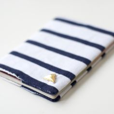 Follow this super simple tutorial to create yourself a little passport cover which will make your passport stand out from the crowd!