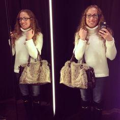 Mañana de shopping!!  #ideassoneventos #imagenpersonal #imagen #moda #ropa #looks #vestir #wearingtoday #hoyllevo #fashion #outfit #ootd #style #tendencias #fashionblogger #personalshopper #blogger #me #lookoftheday #streetstyle #outfitofday #blogsdemoda #instafashion #instastyle #currentlywearing #clothes #shopping #blanco #botasplanas #casuallook