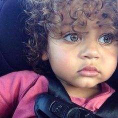 Curley hair❤️ beautiful baby