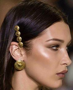 Viso scavato: trucco e tips & tricks riguardo anche il colore e il taglio di capelli sono il focus del post! Scoprite come valorizzare questa forma di viso!