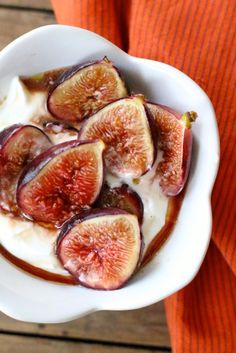 The easiest roasted figs inspired by a summer in the kitchen at Chez Panisse Cafe Fig Recipes, Great Recipes, Vegetarian Recipes, Dessert Recipes, Healthy Recipes, Roasted Figs, California Food, Small Baking Dish, Recipes