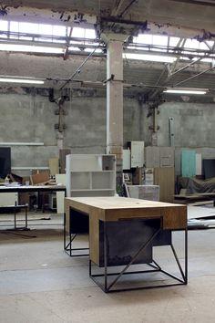 Desk Y03
