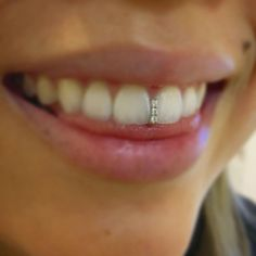 The most trendy and cool Grillz / Teeth Grills / Teeth Jewels out there. Looking for the best Grillz? We've got many pieces ON SALE! Gap Grillz, Grillz Gold, Diamond Grillz, Fake Cartilage Piercing, Face Piercings, Girls With Grills, Dental Jewelry, Tooth Jewelry, Tooth Gem