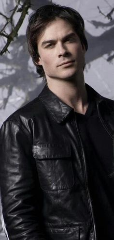 Ian Somerhalder: What Fans Should Know About The Vampire Diaries Star - Celebrities Female Serie The Vampire Diaries, Damon Salvatore Vampire Diaries, Ian Somerhalder Vampire Diaries, Vampire Diaries The Originals, Joseph Morgan, Gossip Girl, Daimon Salvatore, The Mortal Instruments, Ian Somerholder