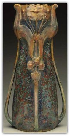 Art Nouveau Amphora Vase See More. Antique Pottery, Pottery Vase, Roseville Pottery, Ceramic Pottery, Jugendstil Design, Art Nouveau Design, Le Far West, Arts And Crafts Movement, Ceramic Art