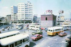 1976 北門圓環,可以看到北門南側,當時十分嶄新潔白的台北商業大樓