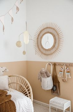 Would you like to know how to decorate monogrammatic and gender neutral children. - Apartment - Would you like to know how to decorate monogrammatic and gender neutral children's rooms ? Bedroom Themes, Kids Bedroom, Beige Nursery, Elephant Nursery, Gender Neutral Bedrooms, Todler Room, Toddler Room Decor, Simple Bed, Boho Room