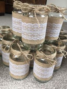 Shabby Chic Wedding Centerpieces Diy Glass Jars 22 New Ideas Wine Bottle Crafts, Mason Jar Crafts, Mason Jar Diy, Wine Bottles, Wedding Mason Jars, Mason Jar Vases, Mason Jar Centerpieces, Vintage Wedding Centerpieces, Wedding Table