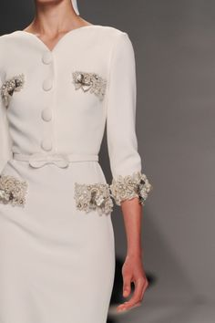 LOVE the neckline and buttons especially. oooh.. And the 3/4 length sleeves! mademoisellefashionn:Bonjour, nous sommes Katarina et Violeta. Nous adorons la mode. xx