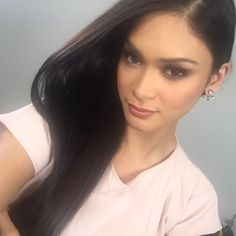 Pia Alonzo Wurtzbach @MissUniverse  Feb 24 Selfie time at the office, just 'cos.  -Pia