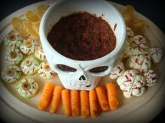 Dead Man's Party The Ultimate Collection Of Creepy, Gross And Ghoulish Halloween Recipes Halloween Themed Food, Healthy Halloween Snacks, Halloween Appetizers, Halloween Treats, Halloween Party, Halloween Foods, Zombie Party, Creepy Halloween, Halloween Dishes