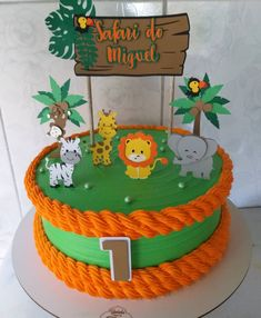 Glow sticks aren't just for wearing as bracelets! Safari Theme Birthday, Animal Birthday, Baby Birthday, Birthday Party Themes, Jungle Cake, Jungle Party, Safari Party, Safari Animal Crafts, Safari Cakes