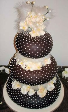 chocolate wedding cakes decor