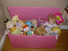 Plain toy box for girls