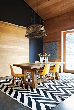 Sunday Reading Loving the Rustic table/yellow chair/organic lighting. Wooden Dining Tables, Rustic Table, Dining Chairs, Eames Dining, Diy Table, Rustic Farmhouse, Timber Table, Wood Chairs, Lounge Chairs