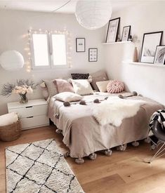 Modern Bedroom Design Trends and Ideas in 2019 Part bedroom ideas; bedroom ideas for small room; Room Ideas Bedroom, Small Room Bedroom, Cheap Bedroom Ideas, Master Bedroom, Bedroom Table, Cosy Bedroom, Teen Bedroom, Bedroom Inspo, Modern Bedroom
